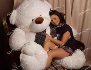 гигантский плюшевый медведь